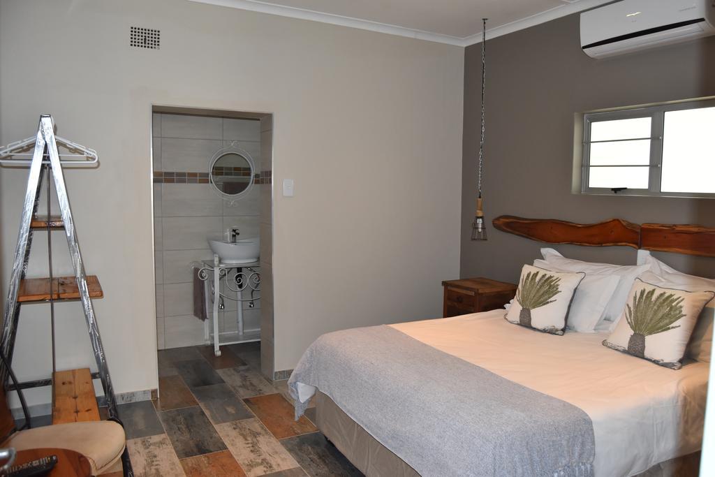 Quiver_Inn_Guesthouse.jpg