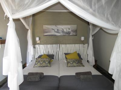 twyfelfontein_lodge_twin_room_small.jpg